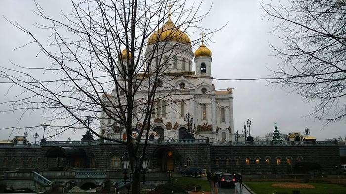 Вхід у храм для VIP-персон (4 фото)