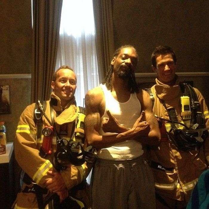 Пожежні увірвалися до Снуп Доггу (7 фото)