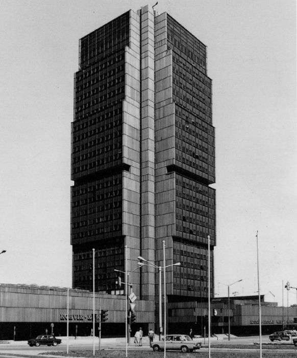 Креативні і незвичайні будівлі 1960-1980-х років (26 фото)