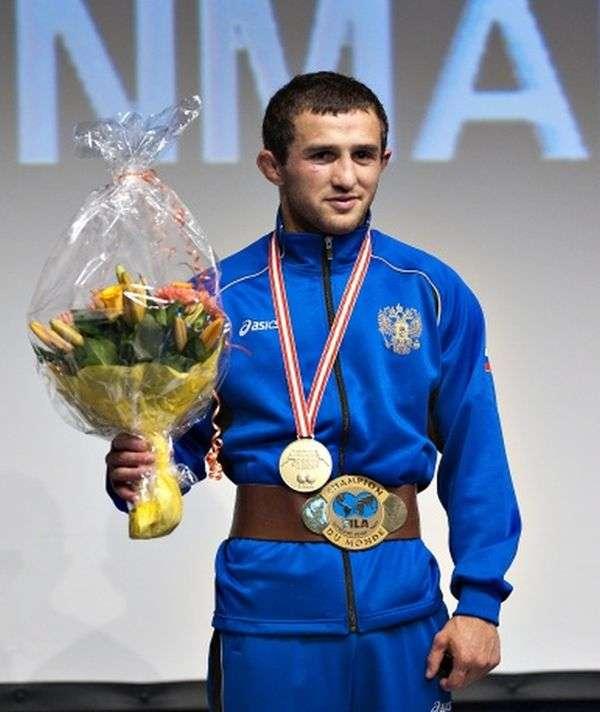 Знаменитий борець Бесік Кудухов загинув в автокатастрофі (5 фото)