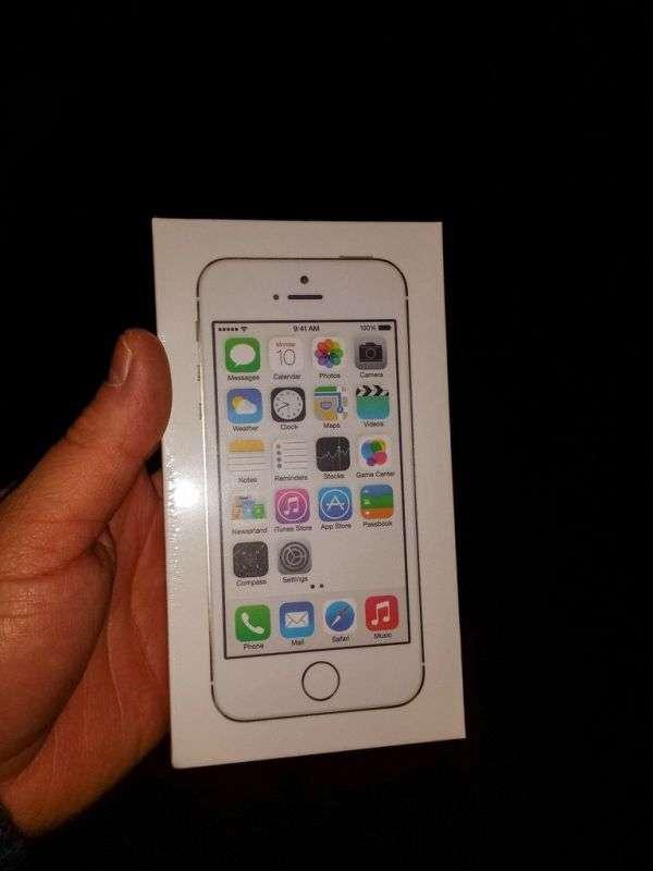 Як треба дарувати iPhone 5S на Новий Рік (10 фото)