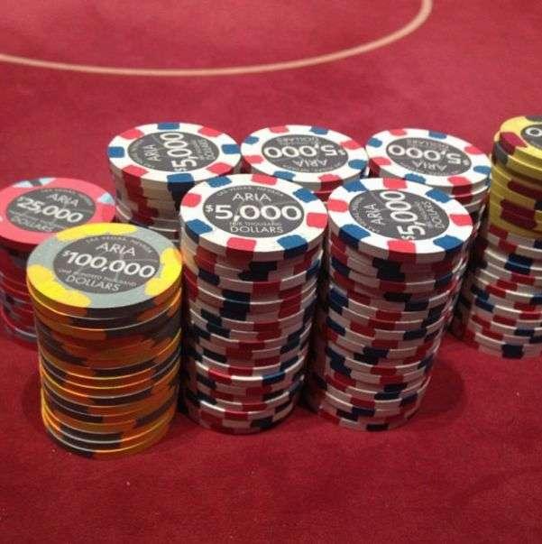Як живе один з найуспішніших гравців в покер в світі (30 фото)