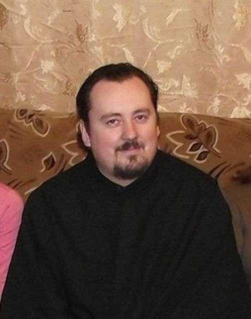 Пяний священик збив жінку і відлетів у кювет (3 фото)