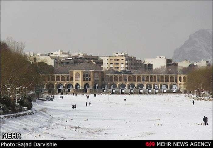 Сильний снігопад в Ірані за останні 50 років (45 фото)