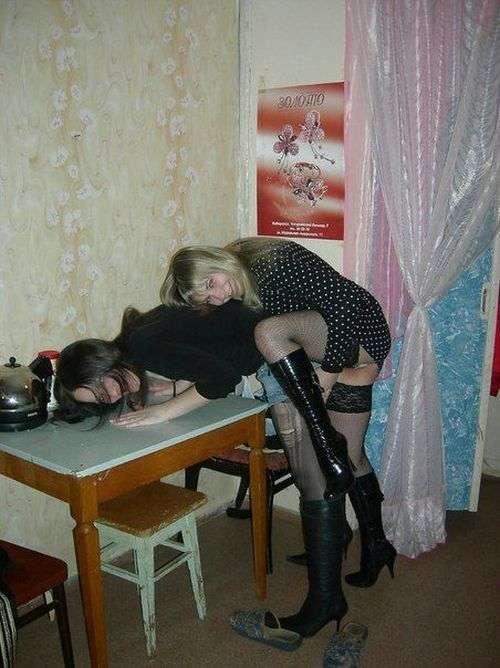 У жіночому студентському гуртожитку нудьгувати не доводиться (27 фото)