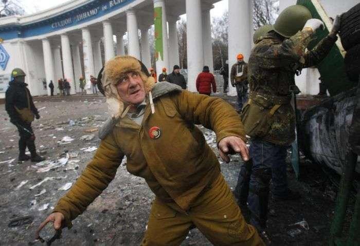 Зброя Евромайдана на будь-який смак (61 фото + відео)