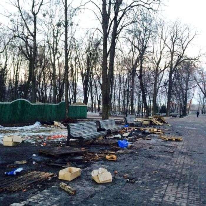 Наслідки мітингу в Маріїнському парку (7 фото)