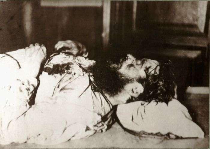 Непроста доля дочки Распутіна (17 фото)