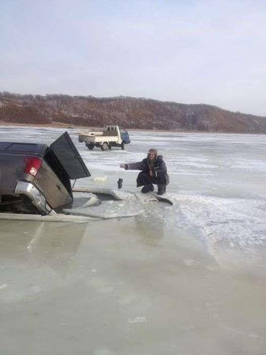 Невдале завершення зимової риболовлі (9 фото)