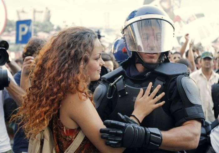 Прояв співчуття і співчуття під час акцій протесту (30 фото)