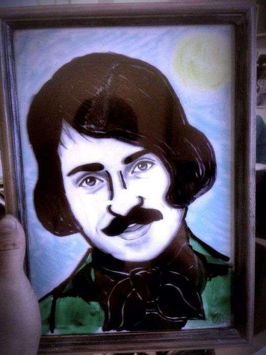 Тролінг в офісі над портретом колеги (34 фото)