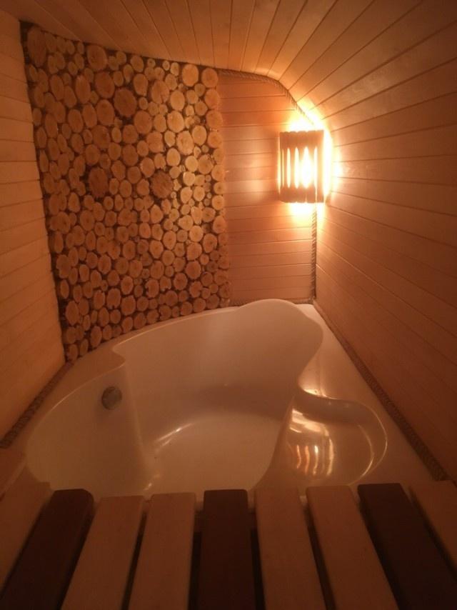 Комфортабельная баня из КУНГа своими руками. МиР
