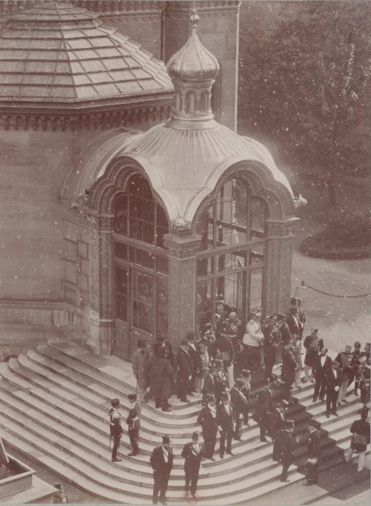 В Париж! Россия и ее история