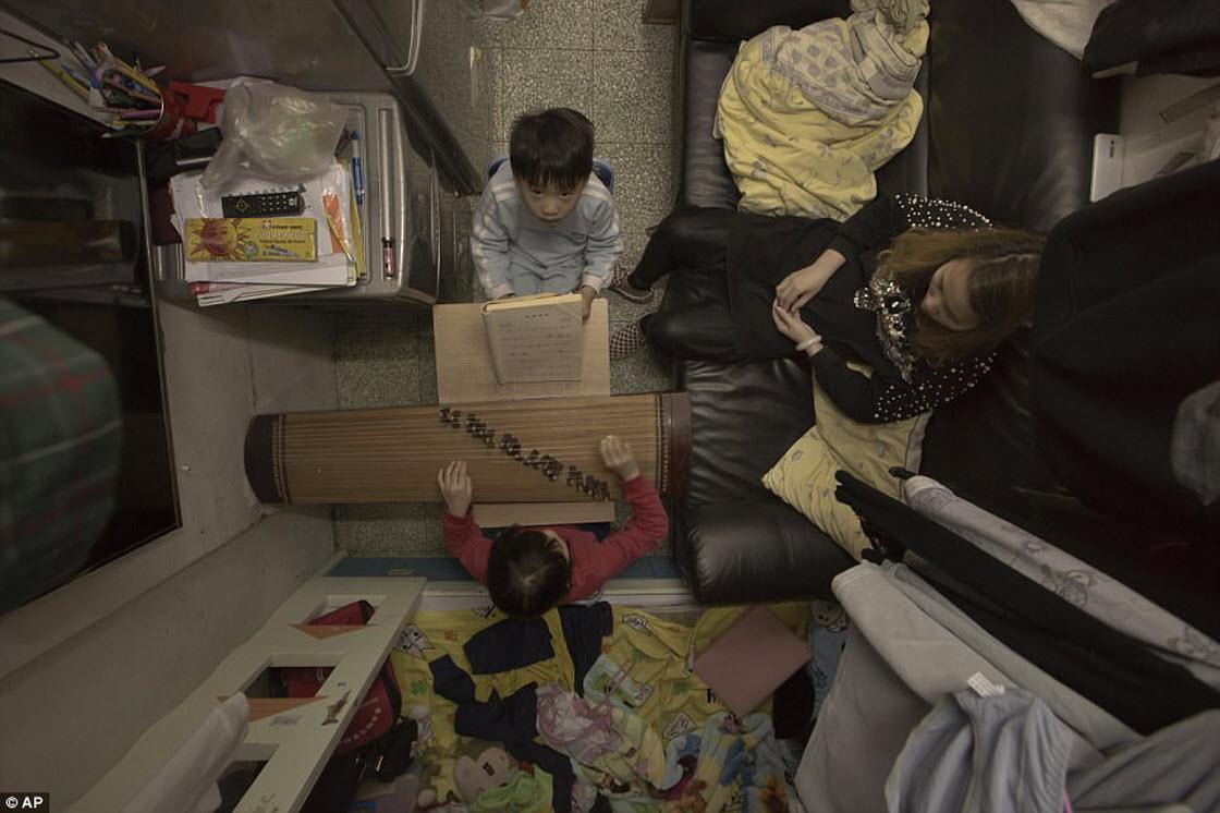 Как живут люди в гонконгских квартирах-гробах обо всем
