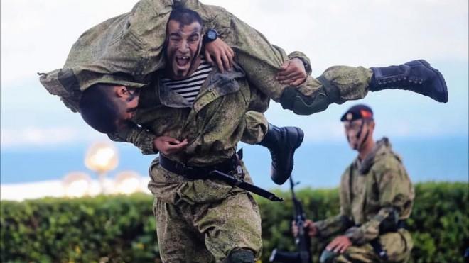 Морпехи против ВДВ: какие солдаты сильнее арб