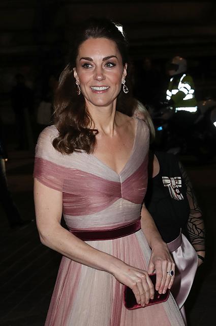 Кейт Миддлтон посетила гала-ужин в Музее Виктории и Альберта Монархии