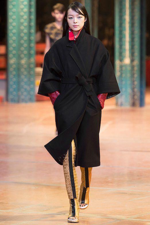 С чем носить модное пальто-халат? лучшее