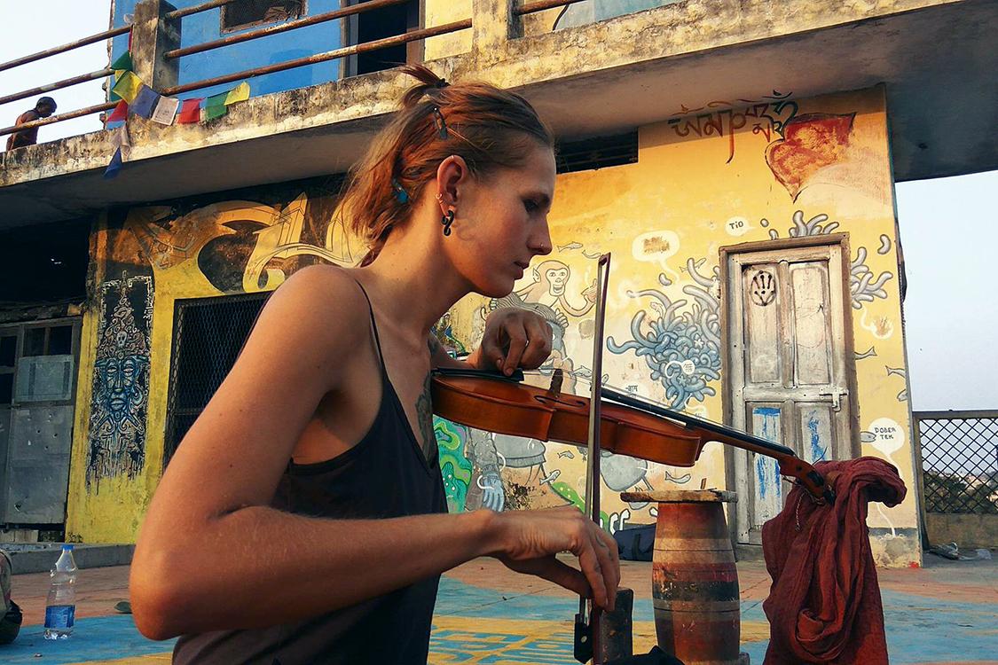 Искусство и смерть: каково это — учиться музыке в университете Варанаси безвизовые страны