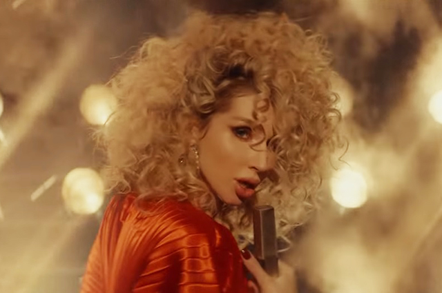 Страстные поцелуи и разбитые сердца: Светлана Лобода преставила клип на песню Instadrama шоу-бизнес