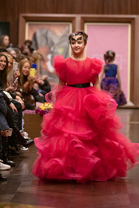 Дочь Ани Лорак, сыновья Марии Кожевниковой и другие звездные дети приняли участие в показе Дети / Детская мода