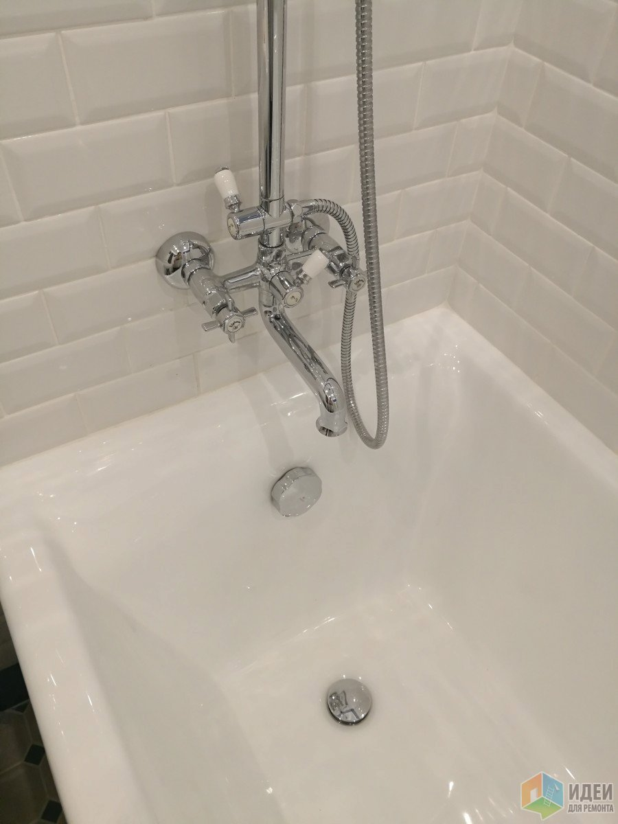 Маленькая ванная в ретро стиле. Делали все своими силами : я, папа и муж домашний очаг...