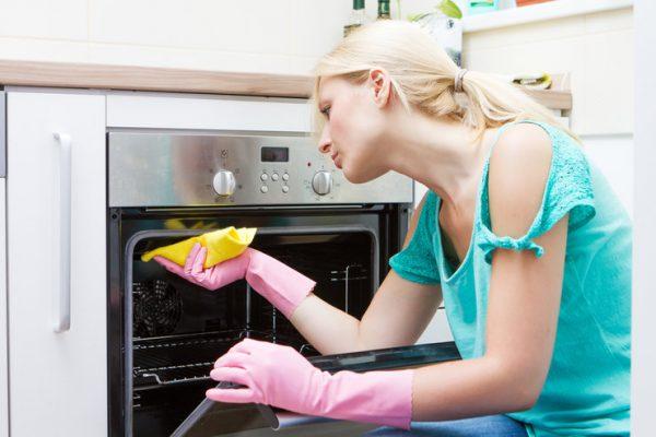 Стекло духовки: очищаем его от жира легко и просто советы