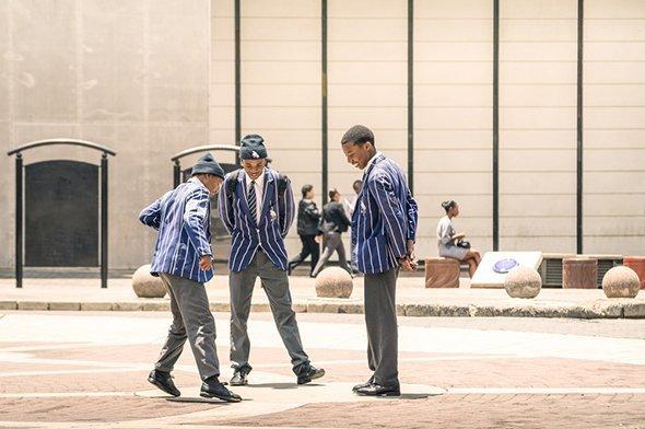 Быть начеку, копить на школу и молиться: как устроено образование в ЮАР интересное