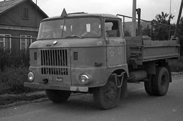 Популярный в СССР грузовичок из ГДР IFA W50