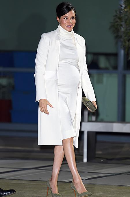Принц Гарри и Меган Маркл посетили спектакль о Чарльзе Дарвине Монархи / Британские монархи