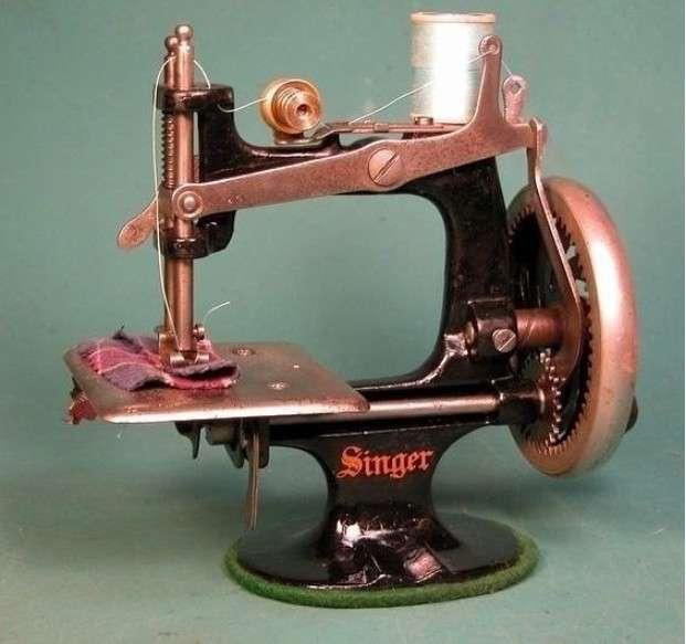 Швейные машинки 67 года! Красота... разное...