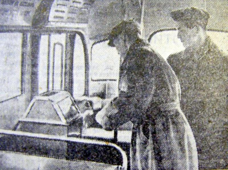 Кондуктор в троллейбусе: как это было в СССР Дальние дали