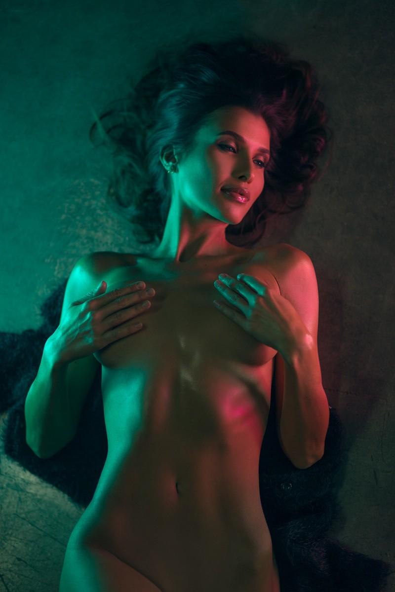 Чувственное Ню талантливого фотографа Сары Орбаник Фотография