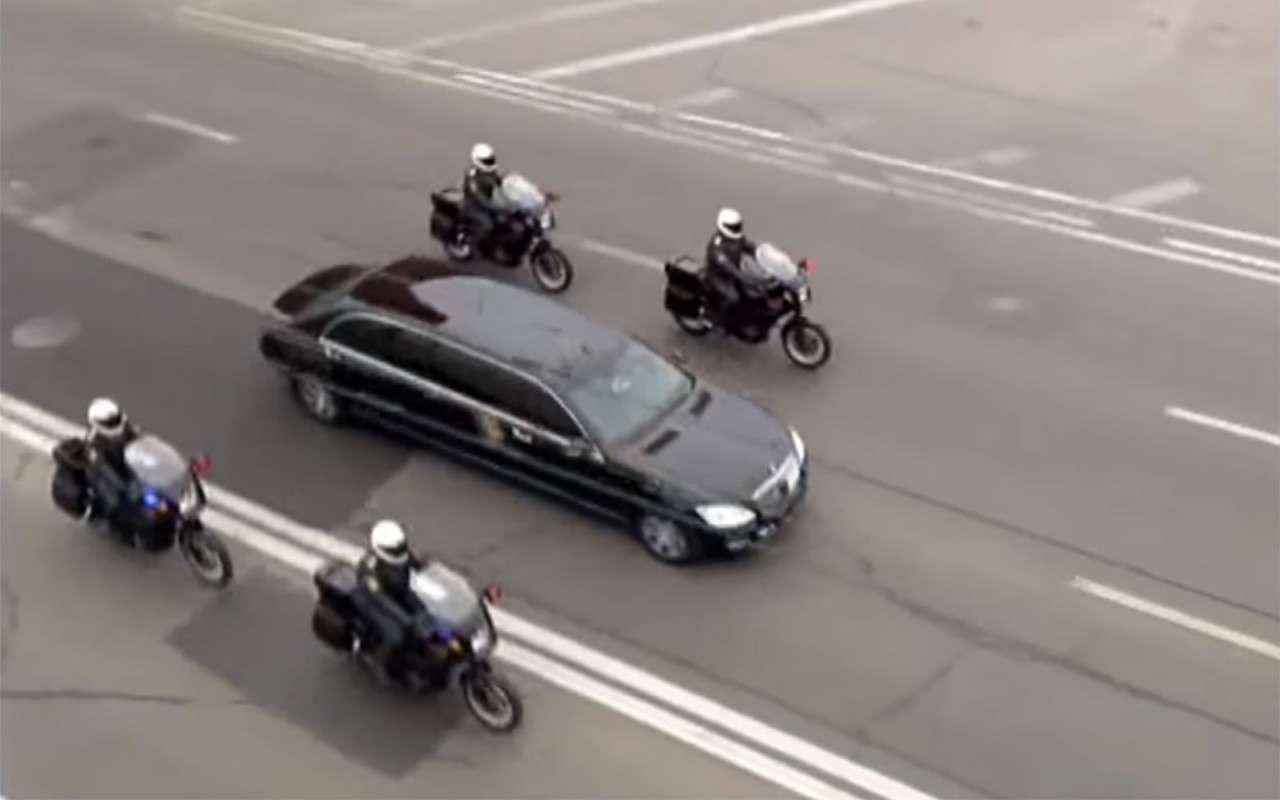 Любимые машины Дмитрия Медведева: от комбайна до Ауруса автомобили