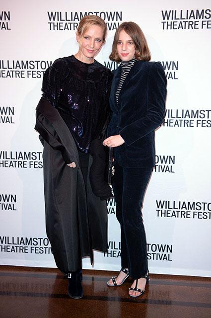 Ума Турман с дочерью Майей на театральном фестивале в Нью-Йорке Звездные дети